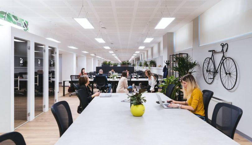 Herman Miller Setu är en följsam, bekväm och hållbar kontorsstol